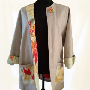 Beige linen jacket with facings and pockets made from recycled fabric